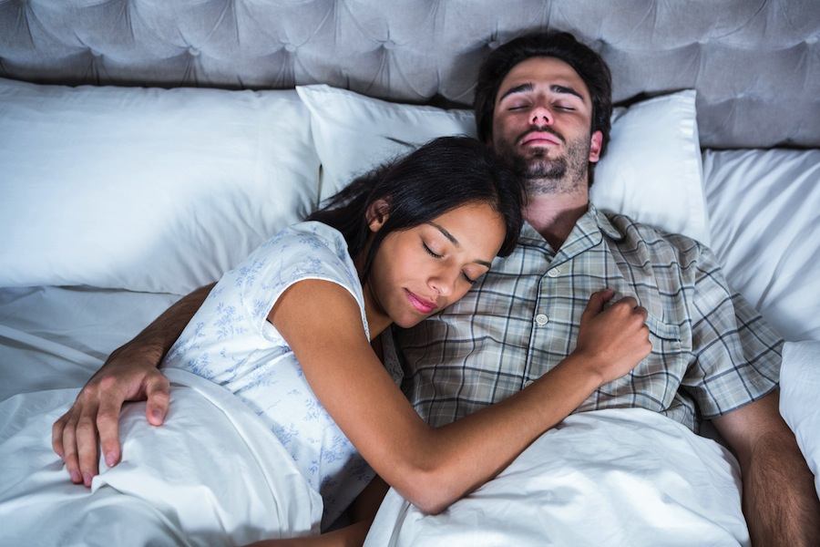 How Men and Women Sleep Differently